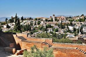 Visita a pie sin colas a la Alhambra, el Albaicín y los Palacios Nazaríes