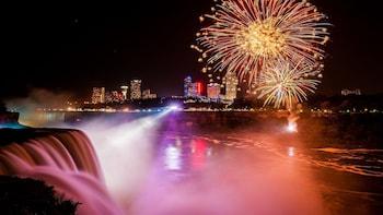 Niagara Falls American-Side Illumination Tour with Boat Ride