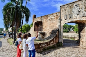 Santo Domingo Colonial Mornig Walk