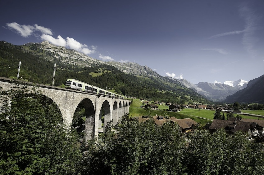 Apri foto 3 di 8. Interlaken & the Swiss Alps Day Trip from Milan