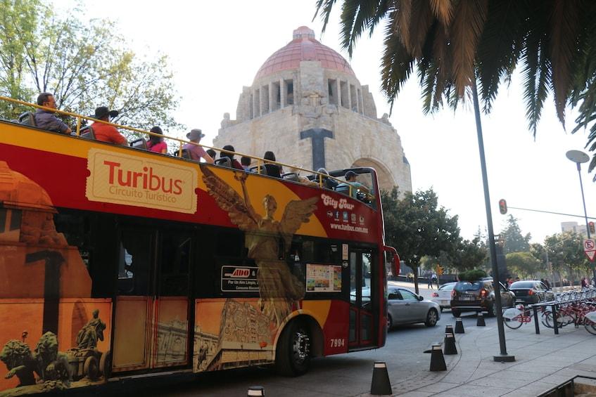 Turibus Hop-on Hop-off City Tour
