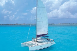 2x1: Chichen Itza with Buffet & Catamaran to Isla Mujeres
