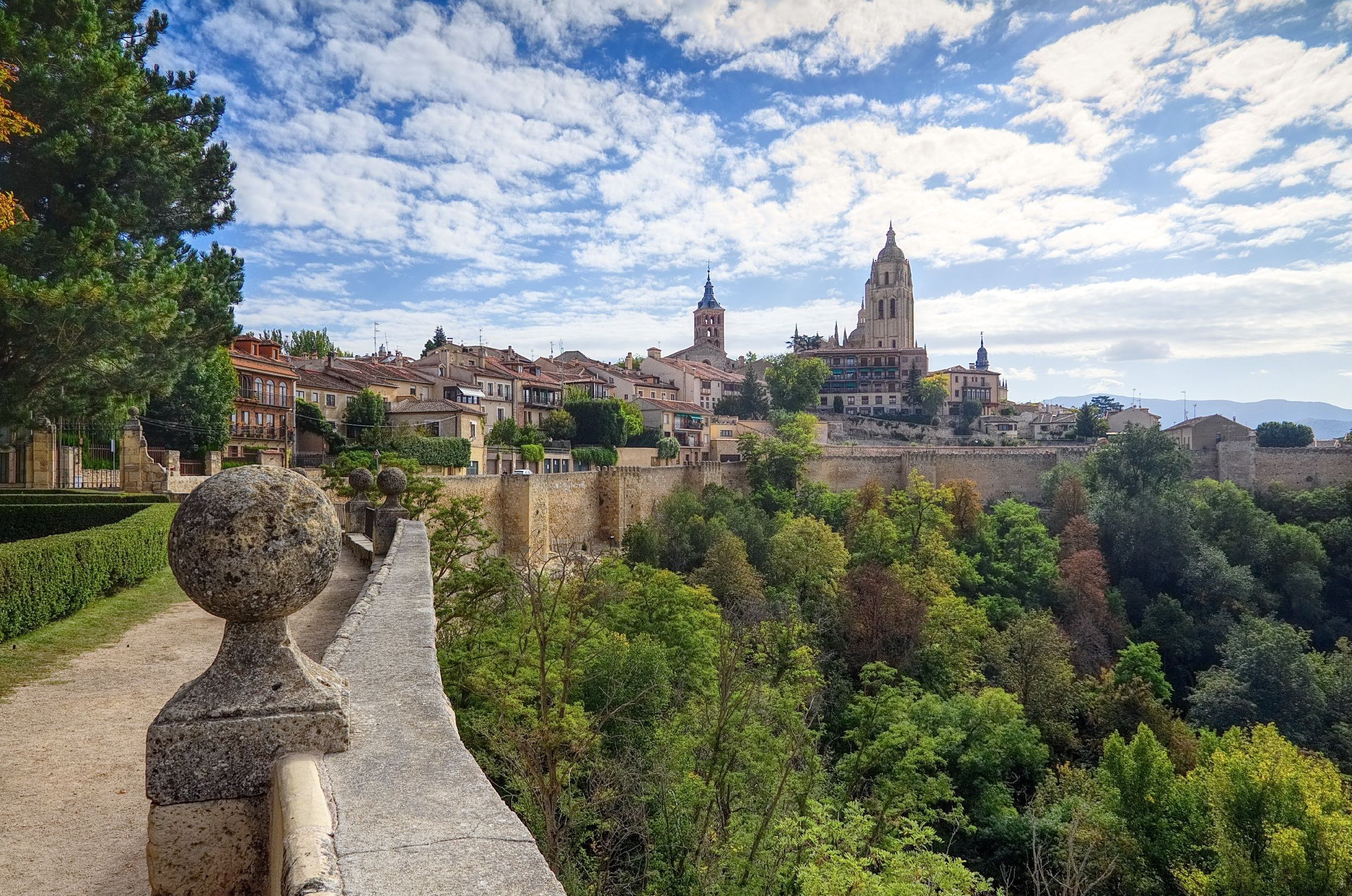 Segovia Half Day Tour from Madrid with Entrance to Alcazar