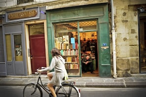 Literary Paris Small Group Walking Tour