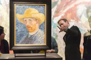 Discover the life and work of Vincent van Gogh by mini-van