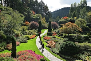 Daytrip from Seattle to Victoria with the Butchart Gardens