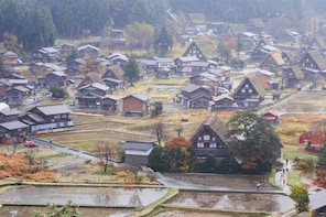 Shirakawa-go, Kenrokuen & Osaka 1 Way tour (Takayama Dept)