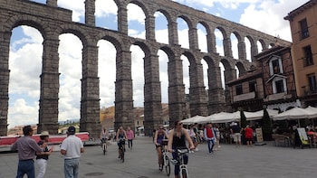 Full day bike tour Segovia & La Granja de San Ildefonso