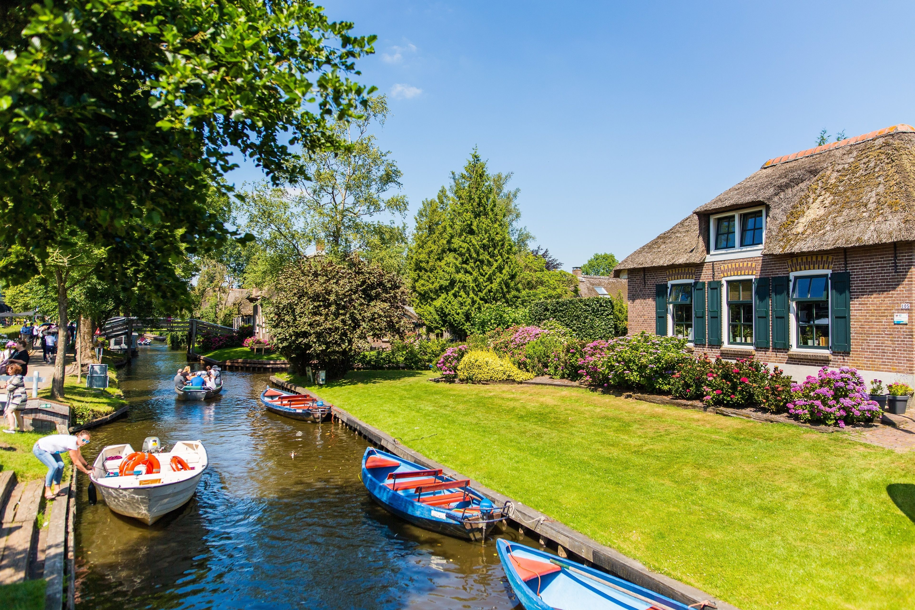 Giethoorn Tour with Enclosing Dike from Amsterdam