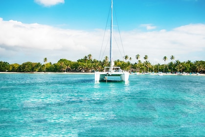 Saona-Tour-Catamaran-Discover-the-Dominican-Republic.jpg