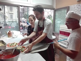 Naples: Pizza Maker for a day at the restaurant