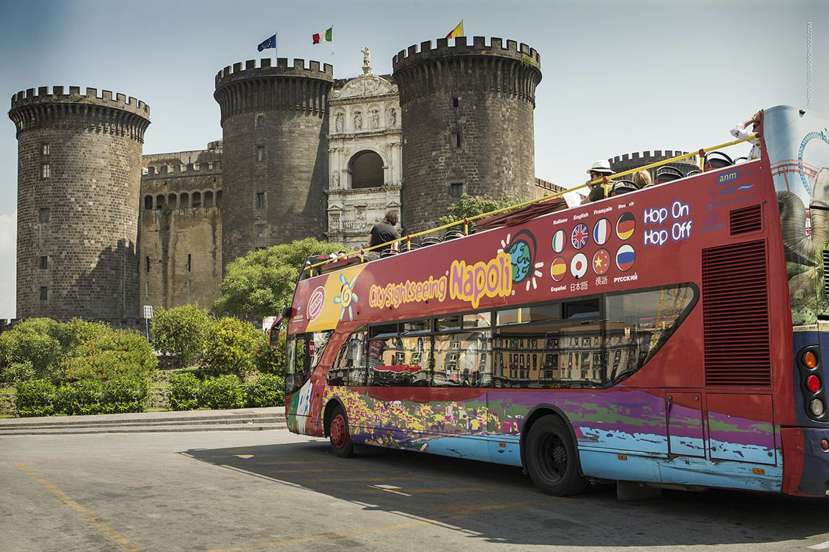 City Sightseeing bus in Napoli