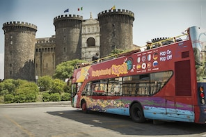 Tour in autobus hop-on hop-off di Napoli con City Sightseeing