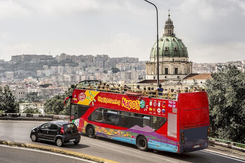 Charger l'élément 2 sur 10. City Sightseeing Naples Hop-on Hop-off