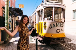 Private Off the Beaten Track Tour with a Local in Lisbon