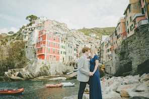 Private Session with a Local Photographer in Cinque Terre