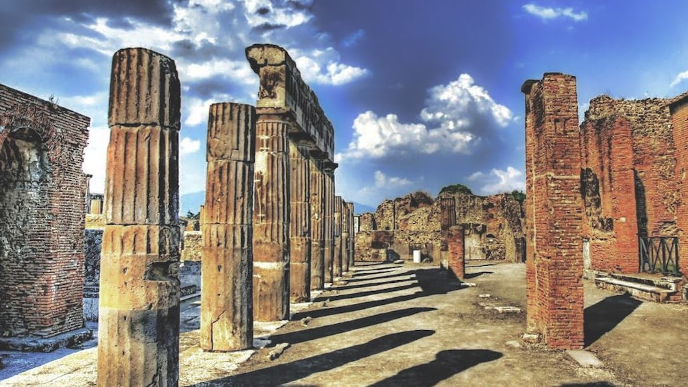 Foto 1 van 3. Stunning view of the Ruins of Pompeii