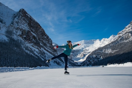 Full-Day Discover Lake Louise Winter Tour