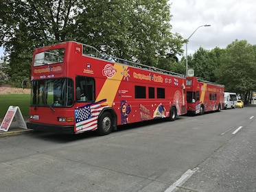 Hop-on hop-off buses in Seattle