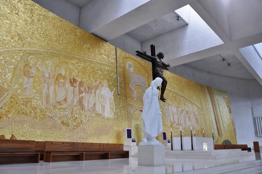 Church sculpture and art in Fatima