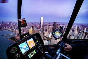 Couple's Private NYC Sightseeing Charter with Champagne
