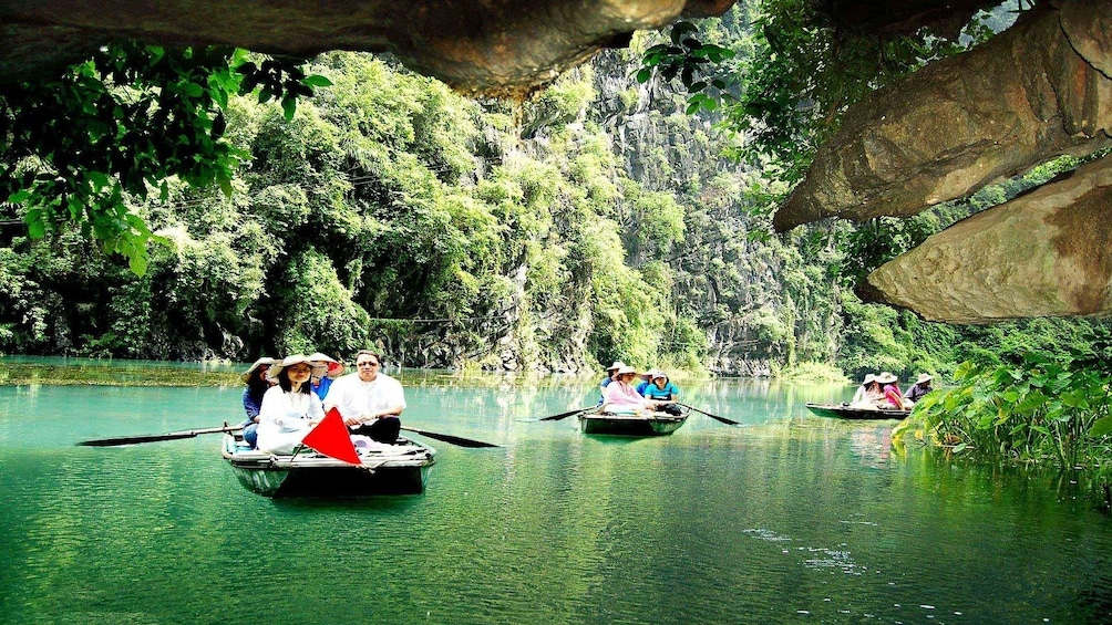 Bamboo boat tour inTam Cốc in VIetnam