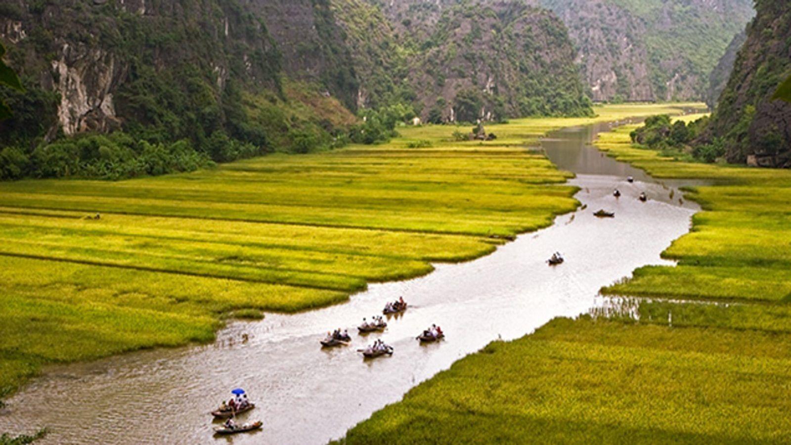 Visit Hoa Lu & Tam Coc in Ninh Binh full day tour from Hanoi