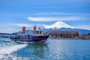 Mt. Fuji and Lake Kawaguchi Bus Tour from Tokyo