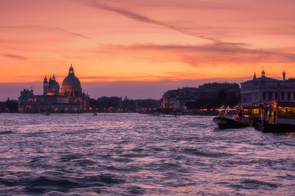 Venice Grand Canal: 1.5-Hour Evening Rowing Tour