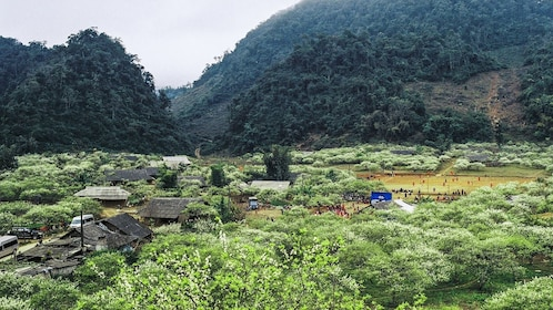 Mountains and homes in Mai Chau