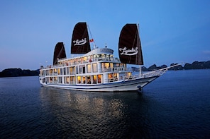 2-Day La Pinta Luxury Cruise along Ha Long Bay – Lan Ha Bay