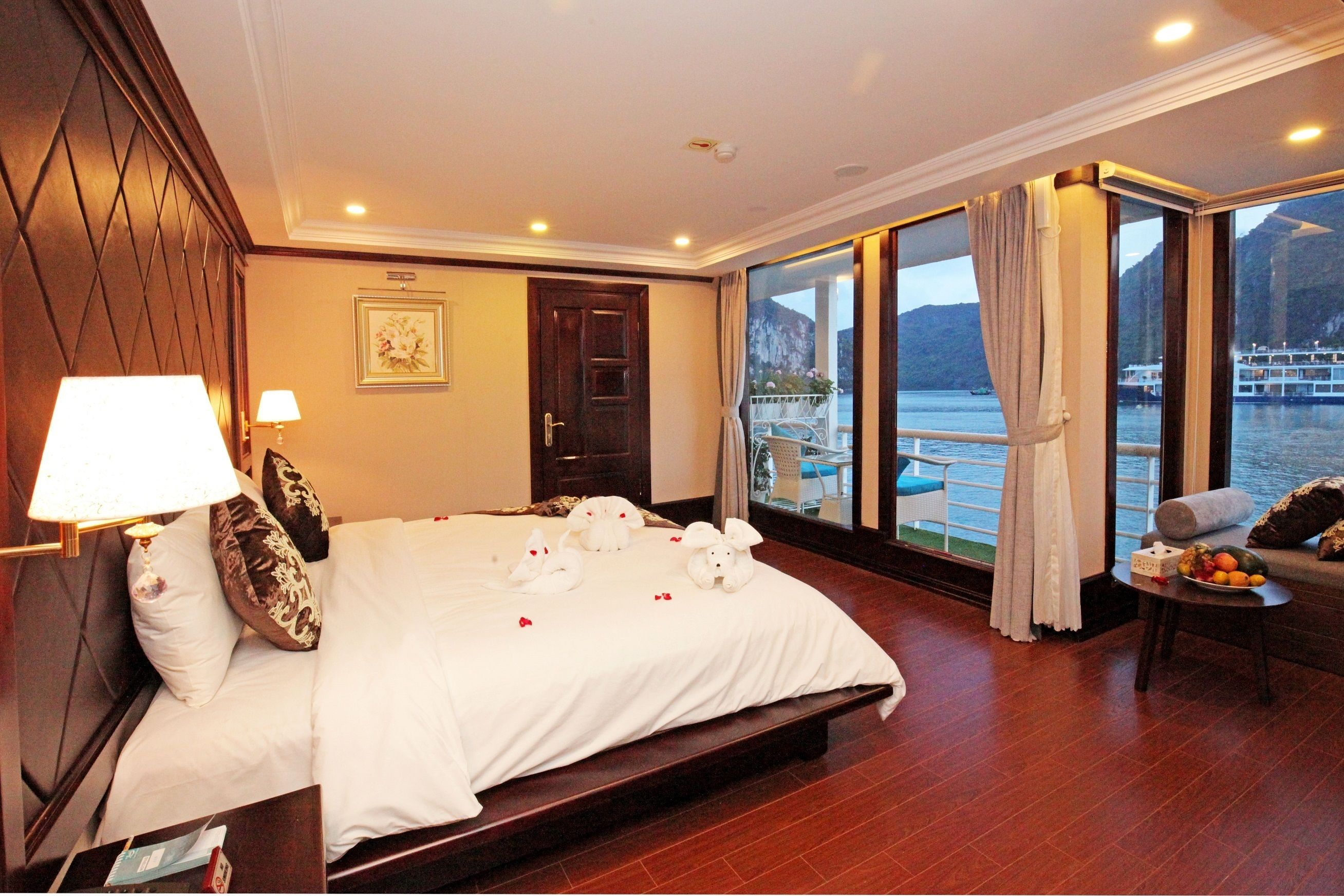 Room on a cruise ship in Vietnam