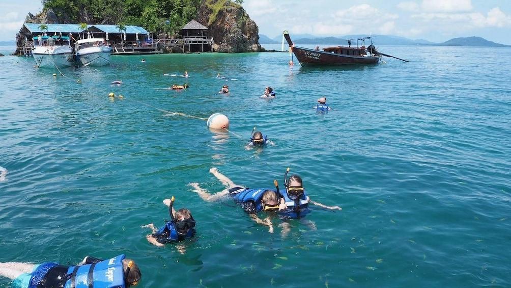 Foto 4 von 10 laden James Bond Island by Premium Speedboat with Snorkeling