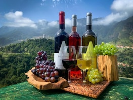 Nature & Wine Experience in Open Roof 4x4 Jeep Tour