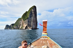 1-Day Tour to Phi Phi Leh by Long-tailed Boat from Phi Phi Don