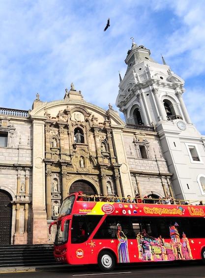 Cargar foto 4 de 10. Lima Panoramic Bus Tour