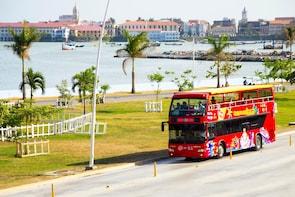 Hop-on-Hop-off-Stadtrundfahrt durch Panama