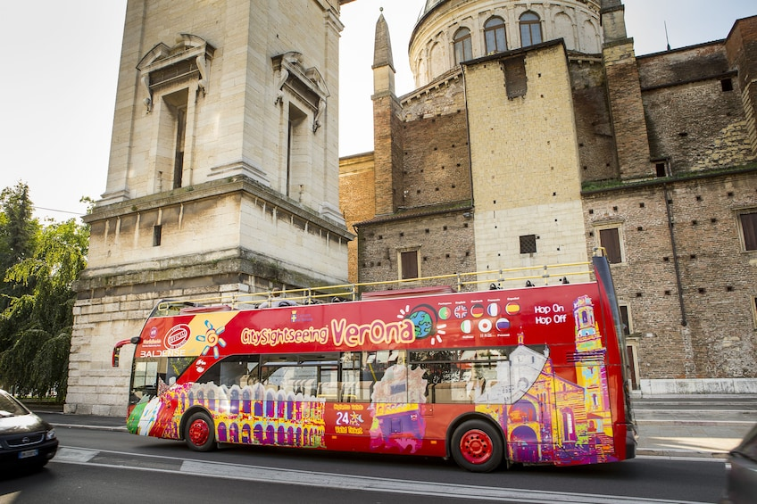 Charger l'élément 5 sur 10. City Sightseeing Verona Hop-on Hop-off