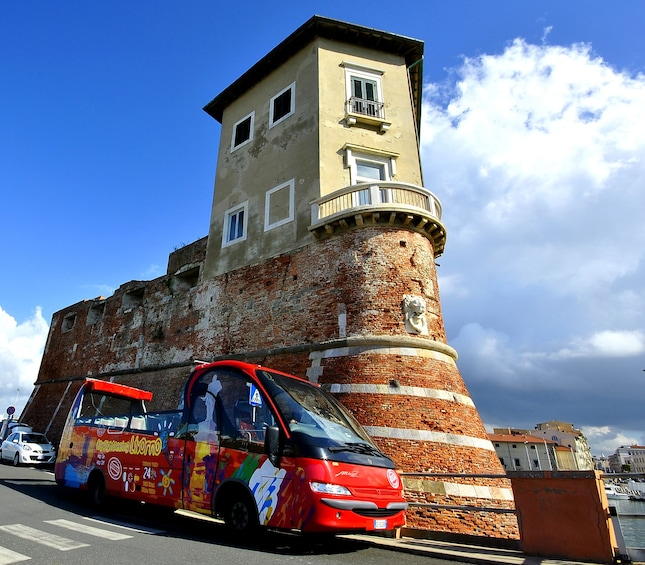 Apri foto 3 di 7. City Sightseeing Livorno Hop-on Hop-off