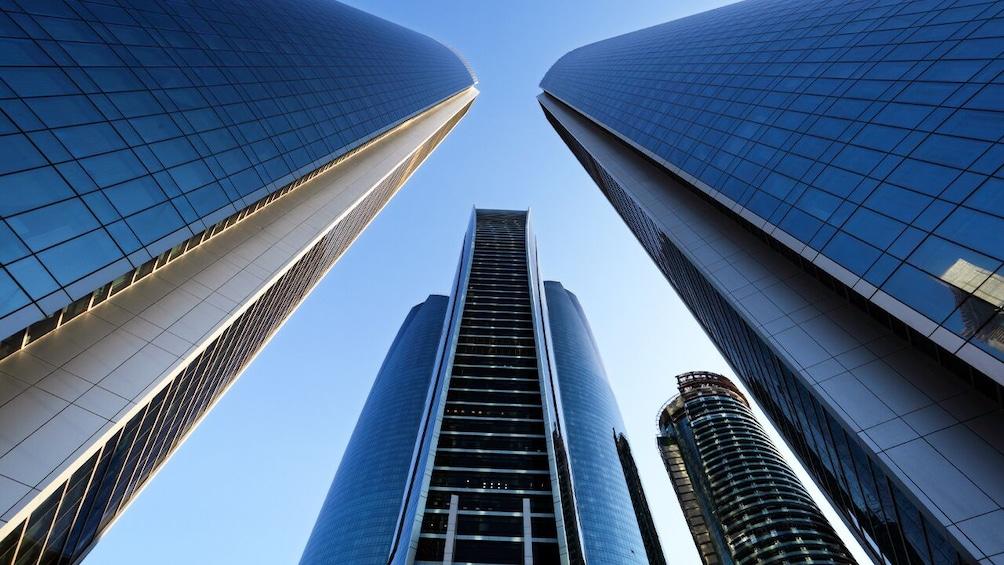 Foto 2 von 10 laden Abu Dhabi: Premium City Tour with Etihad Towers Ticket