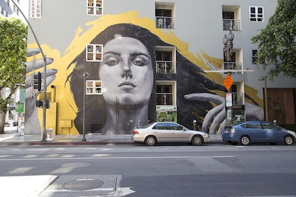 Graffit of a woman on a building in Los Angeles