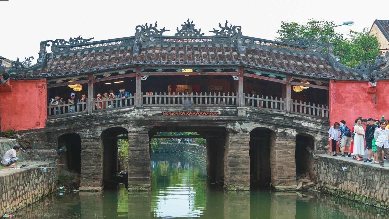 Bridge over Da Nang river