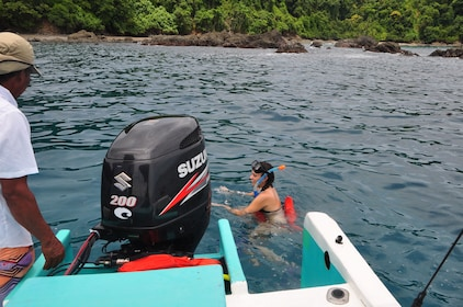 Boat off the coast of Caño Island