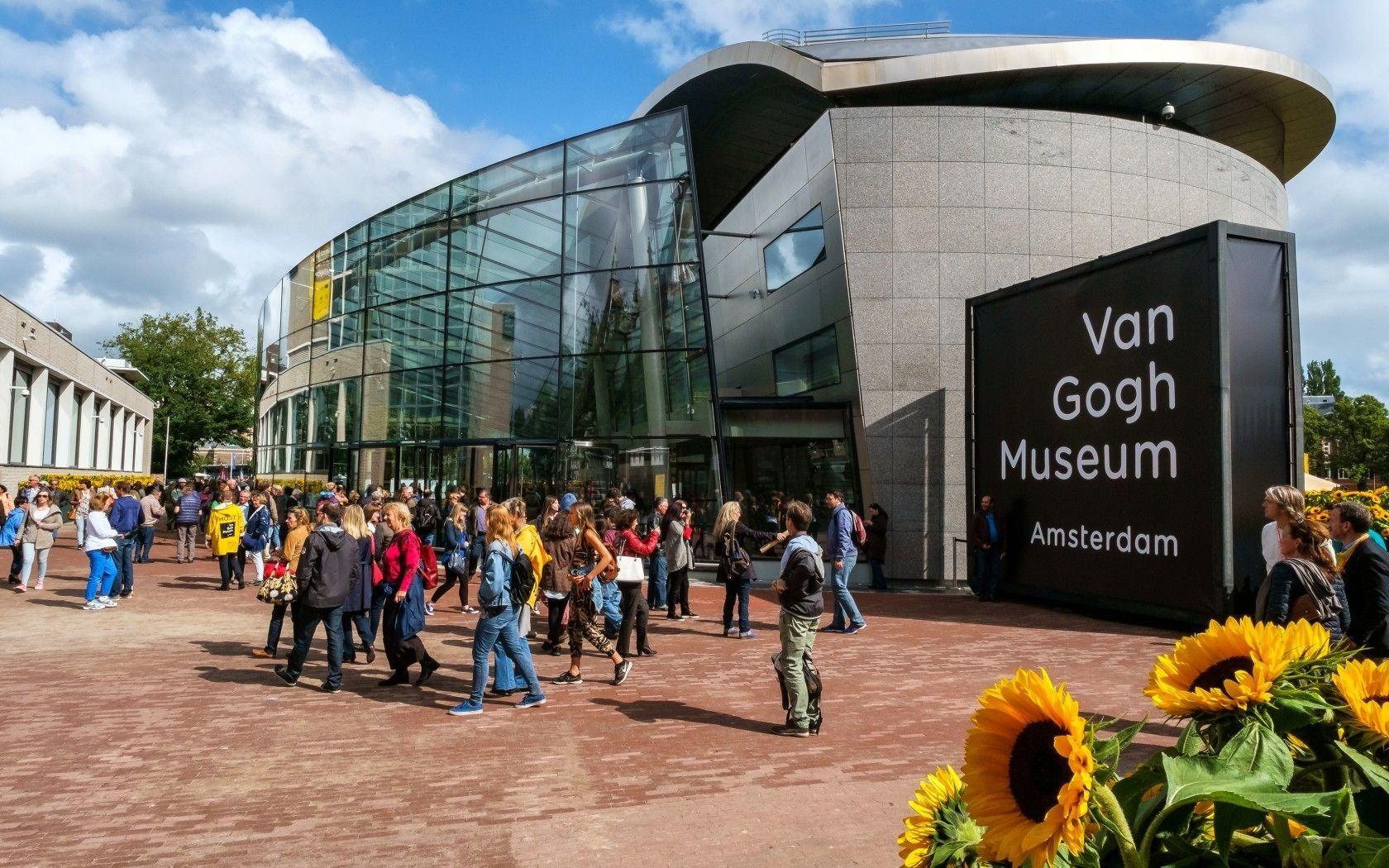 Skip-the-Line Van Gogh Museum PRIVATE Guided Museum Tour