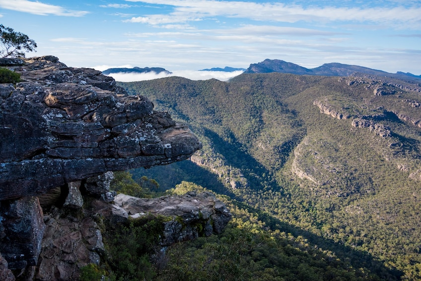 Show item 4 of 10. Mountains in Australia