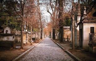 Pere Lachaise Cemetery Semi-Private Guided Walking Tour
