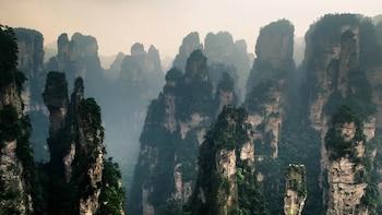 Private Zhangjiajie 5-Day Tour Including Fenghuang