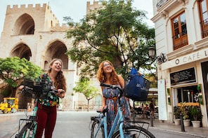 All of Valencia by Private Bike tour with a Local