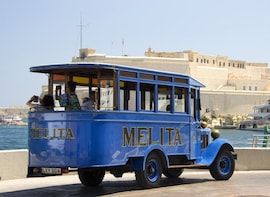 Vintage Bus Tour to the Three Cities