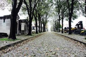 Père Lachaise Cemetery Walking Tour